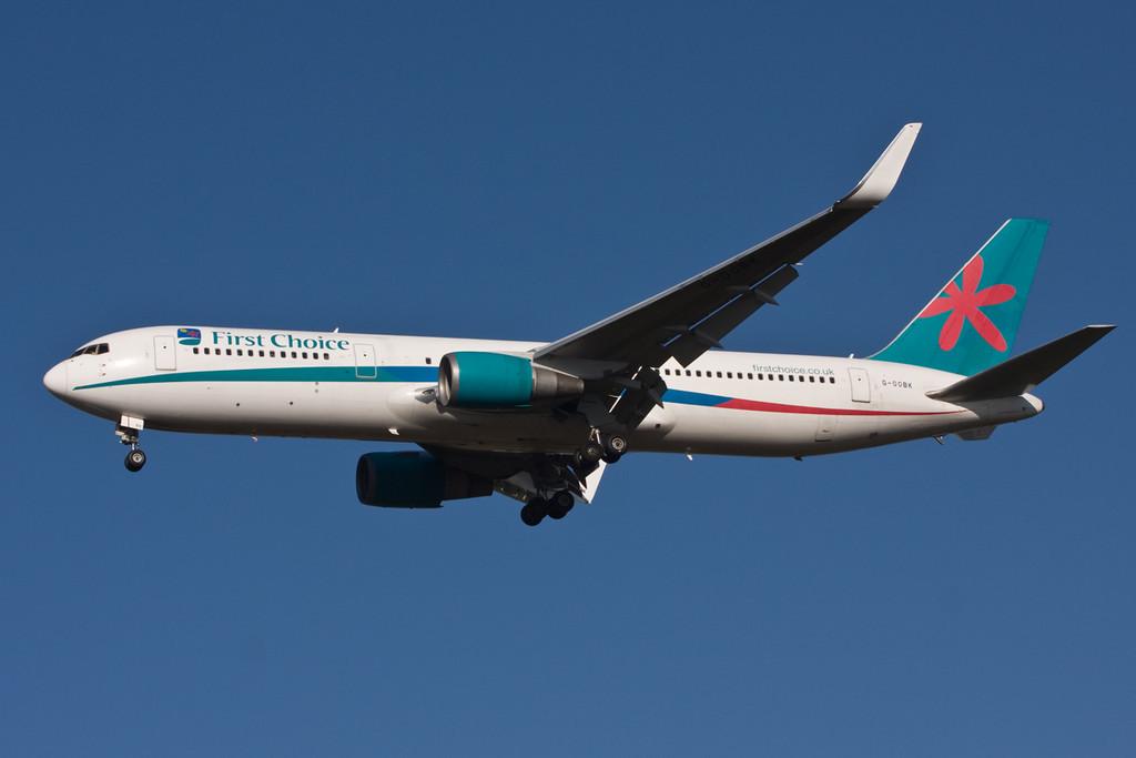 Thomson Airways 767-300  G-OOBK on finals for rnwy 20<br /> By David Bladen.