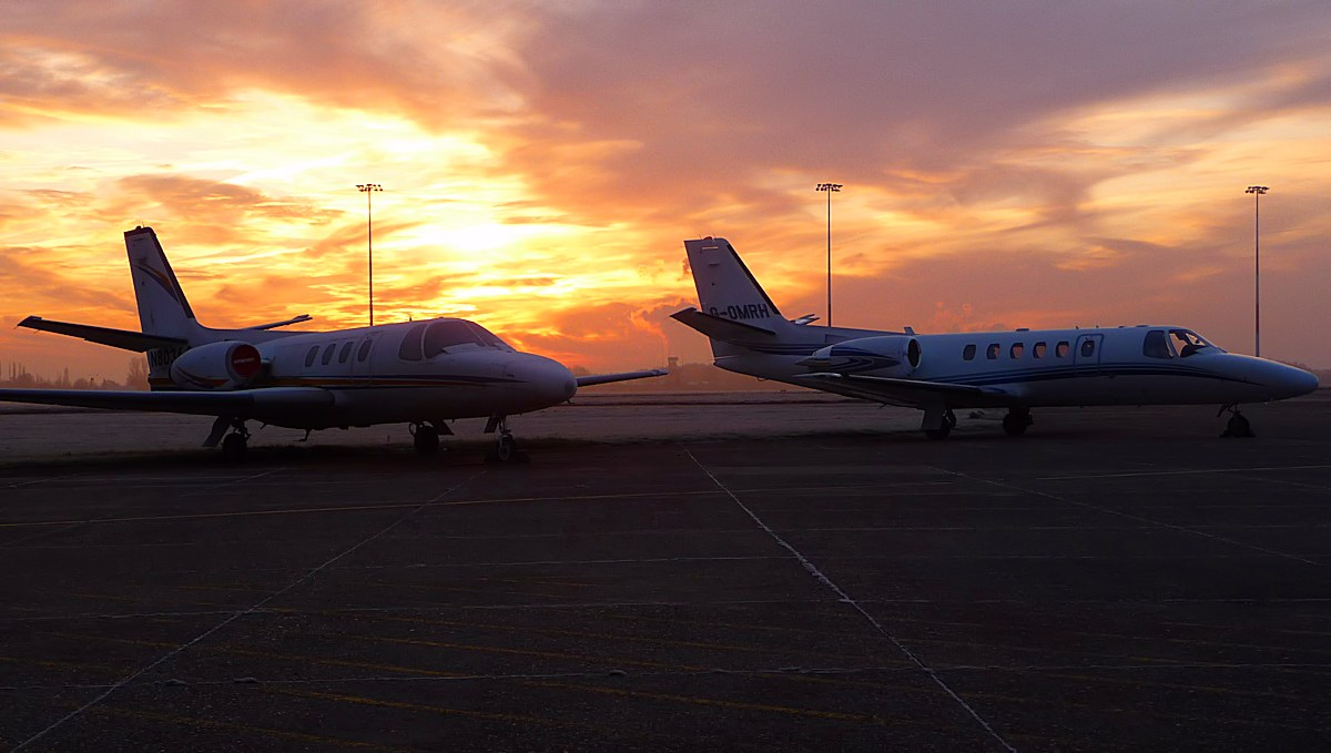 Cessna Citation N80364 and Cessna 550 Citation Bravo G-OMRH<br /> By Correne Calow.