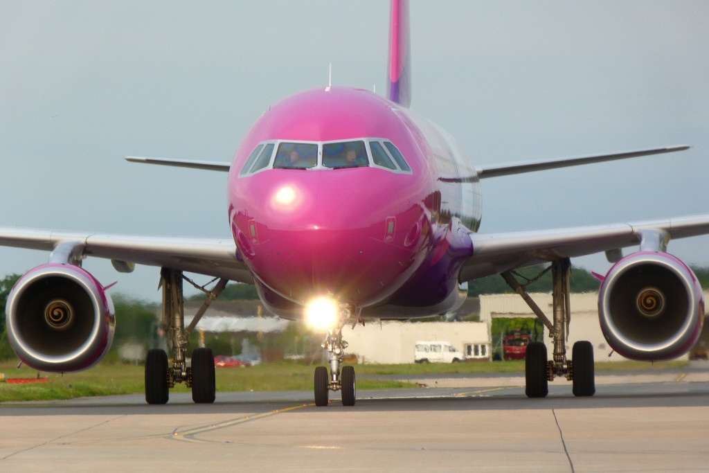Wizz Air A320 HA-LWO.<br /> By Clive Featherstone, courtesey of FODSA.