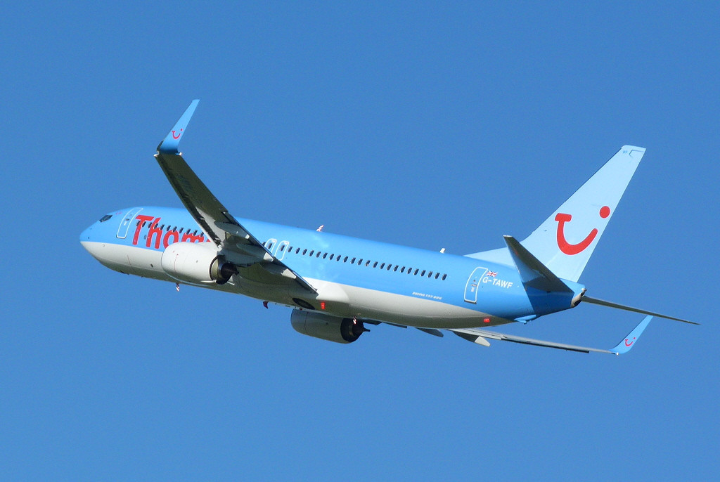 Thomson Airways 737-800 G-TAWF.<br /> By Clive Featherstone.