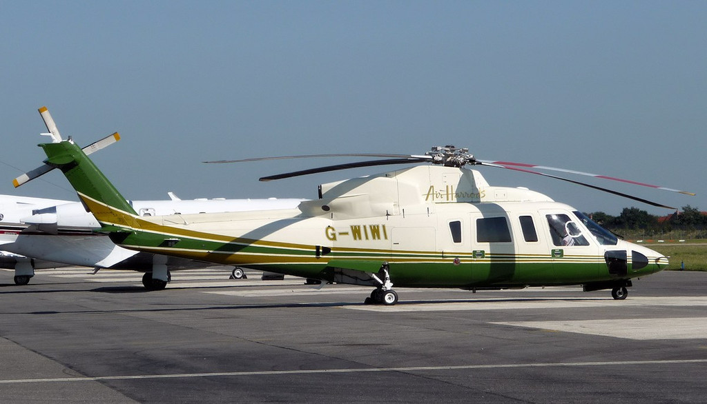 Air Harrods Sikorsky S-76C, G-WIWI.<br /> By Correne Calow.