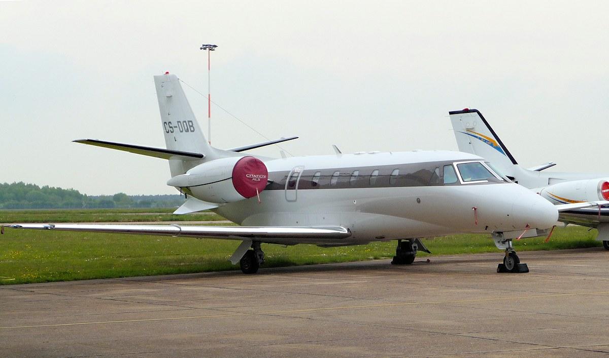 Netjets Cessna 560XL Citation Excel CS-DQB.<br /> By Jim Calow.