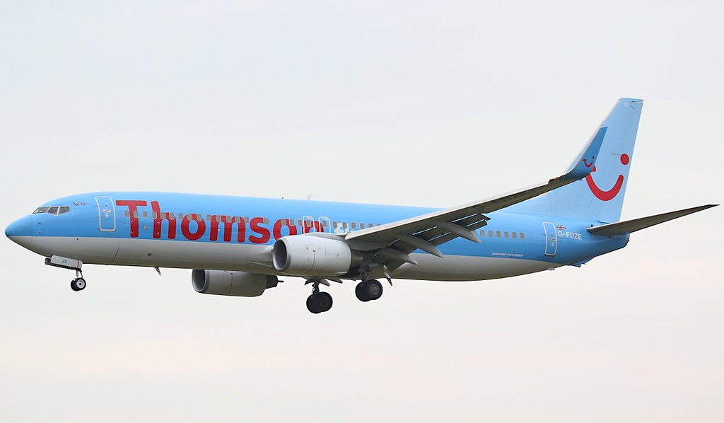 Thomson Airways 737-800 G-FDZE.<br /> By Jim Calow.