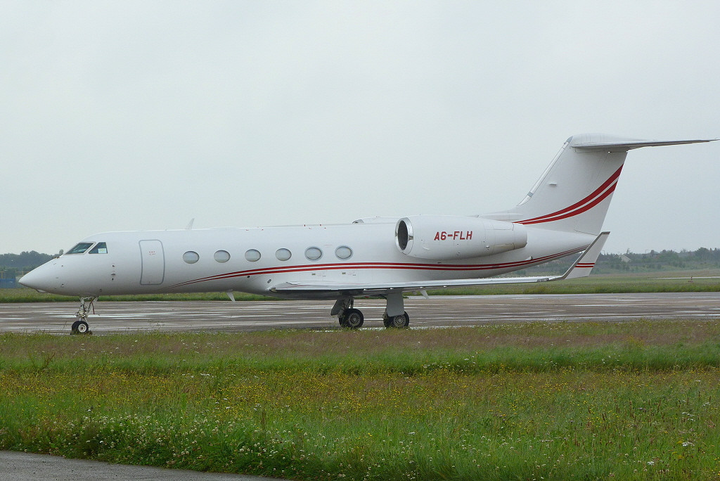 Falcon Aviation Services Gulfstream IV A6-FLH<br /> By Clive Featherstone.