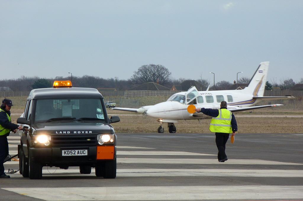 Marshalling in Piper PA-31-350 Navajo Chieftain G-VIPU. <br /> By Clive Featherstone.
