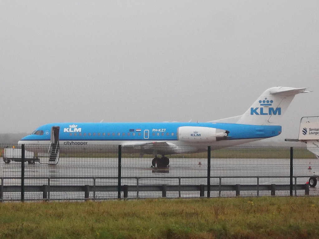 KLM Fokker 70 PH-KZT diverted into DSA this morning due to fog at Humberside.<br /> By Maurice Long.