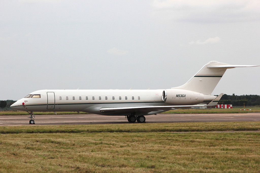 BD-700 Global Express N53GX<br /> By Clive Featherstone.