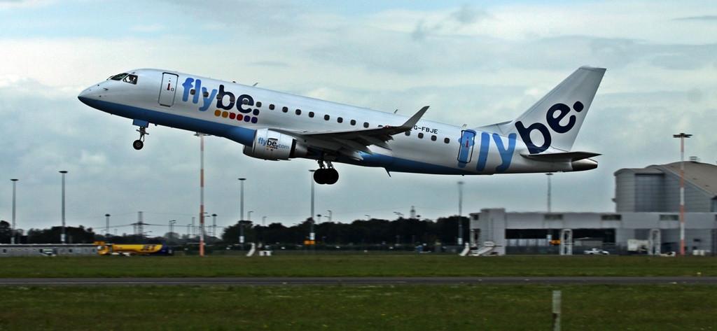 Flybe Embraer ERJ-175STD  G-FBJE (training)<br /> By Alan Jessop.