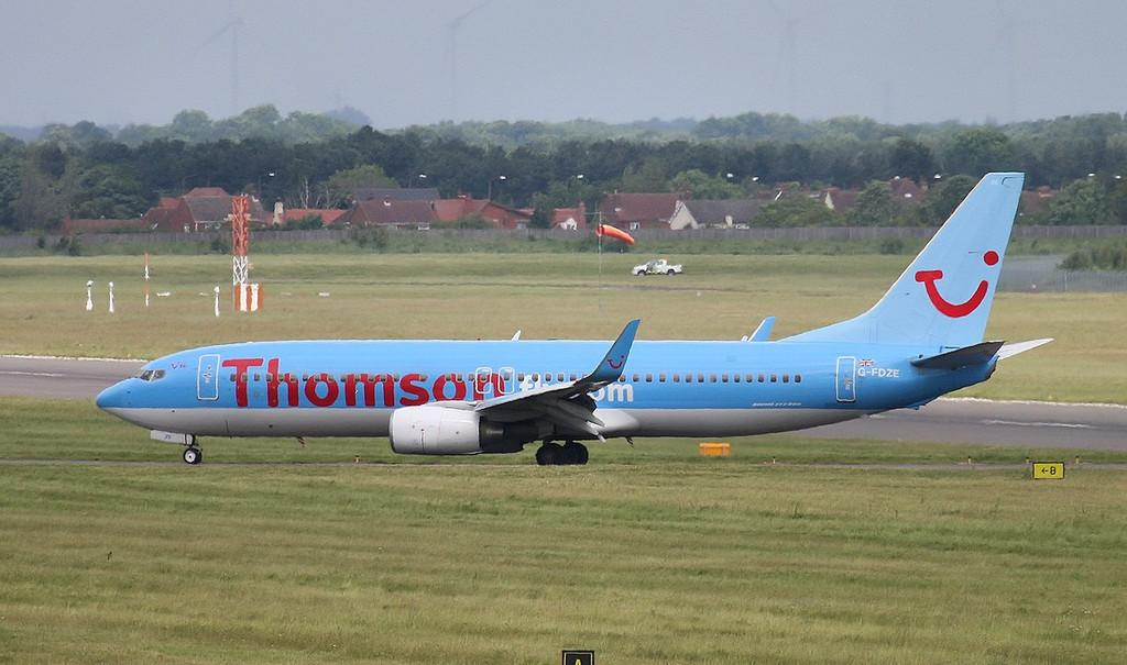 Thomson Airways 737-800 G-FDZE<br /> By Correne Calow.