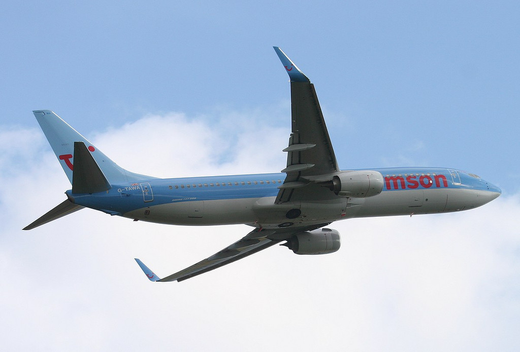 Thomson Airways 737-800 G-TAWA finds the blue sky over the threshold<br /> By Correne Calow.