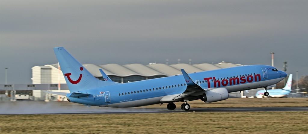 Thomson Airways B738  G-TAWJ<br /> By Alan Jessop.
