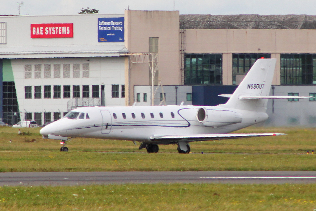 Cessna 680 Citation Sovereign N680UT (ex D-COST)<br /> By Clive Featherstone.