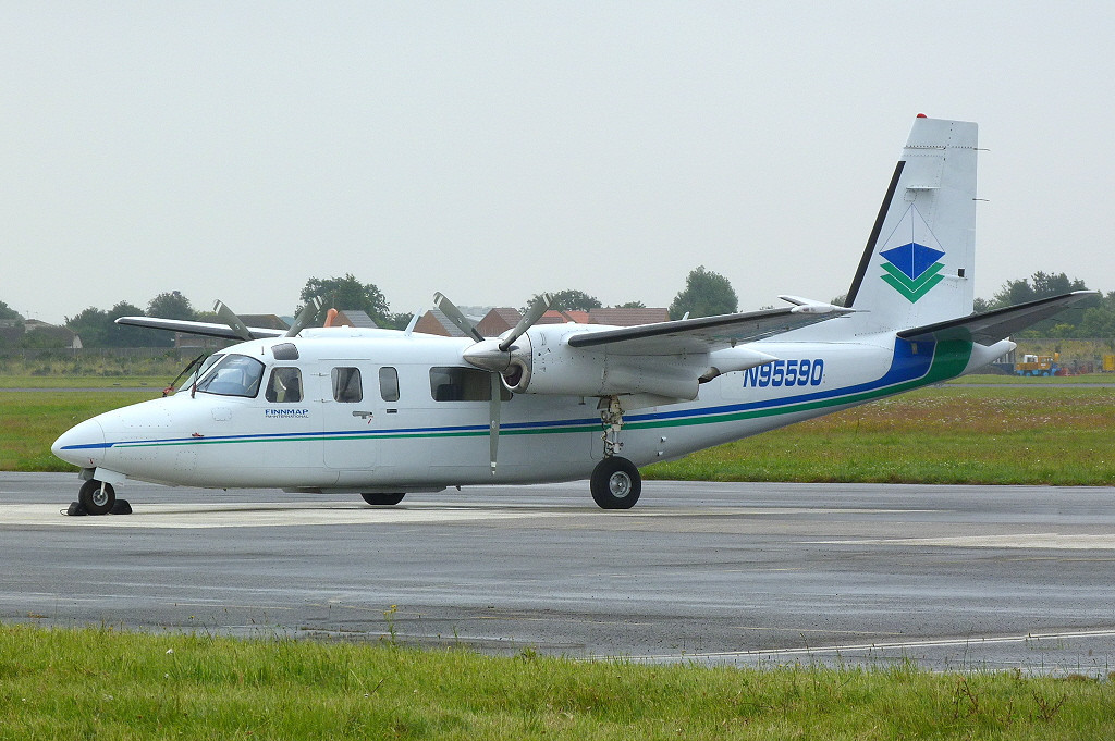 Rockwell 690B Turbo Commander N95590<br /> By Clive Featherstone.