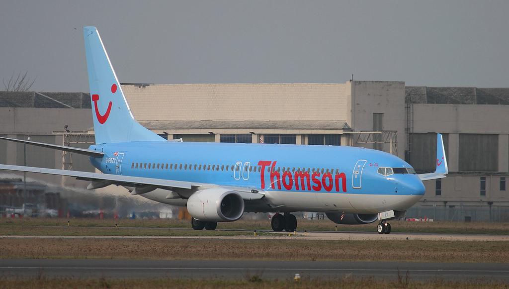 Thomson Airways 737-800 G-FDZY.<br /> By Jim Calow.