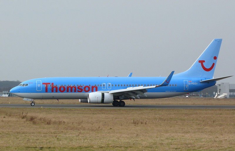 Thomson Airways 737-800 G-FDZY.<br /> By Clive Featherstone.