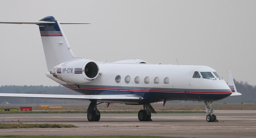 Gulfstream IV VP-CTR.<br /> By Jim Calow.