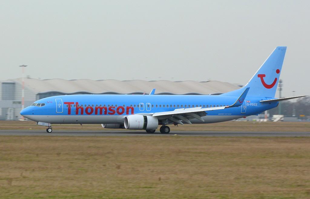 Thomson Airways 737-800 G-FDZZ.<br /> By Clive Featherstone.