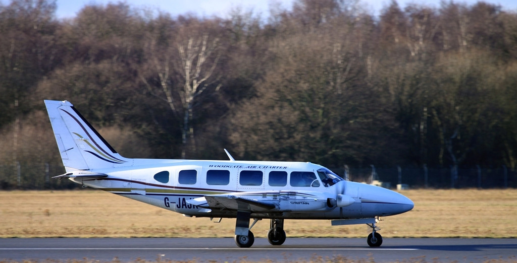 Woodgate Aviation Piper PA-31-350 Chieftain G-JAJK.<br /> By Alan Jessop.