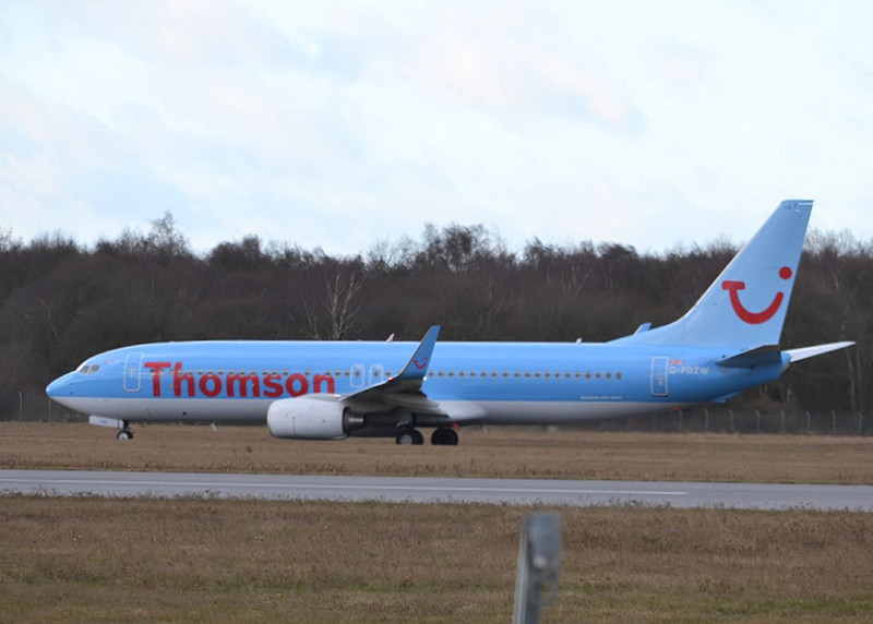 Thomson Airways 737-800 G-FDZW<br /> By Neil Waring.