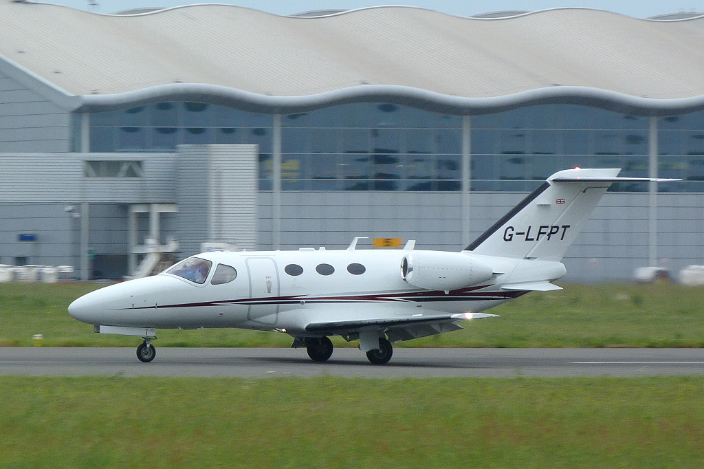 Cessna 510 Mustang G-LFPT returns from its test flight.<br /> By Clive Featherstone.