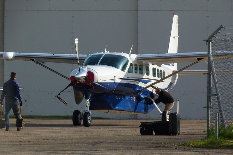 Cessna 208 Grand Caravan N351CC.<br /> By Clive Featherstone.