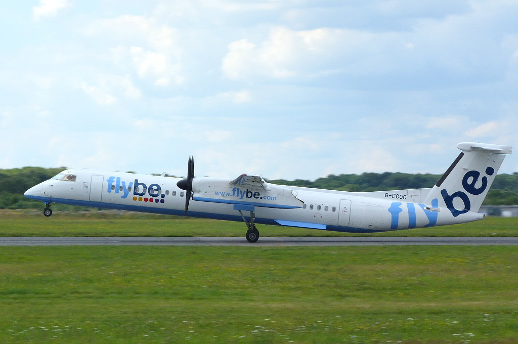 Flybe DHC-8-400 G-ECOC.<br /> By Clive Featherstone.