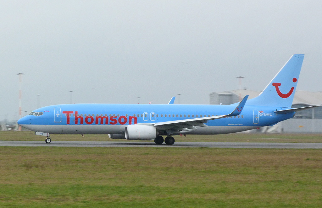 Thomson Airways Boeing 737-8K5 G-TAWC <br /> By Clive Featherstone