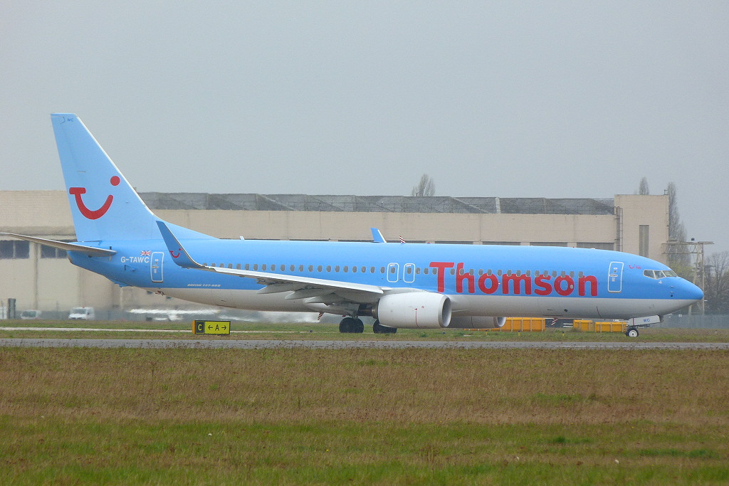 Thomson Airways Boeing 737-8K5 G-TAWC <br /> By Clive Featherstone.