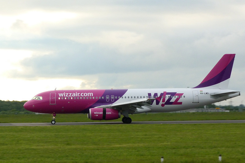 Wizz Air A320 HA-LWO.<br /> By Clive Featherstone.