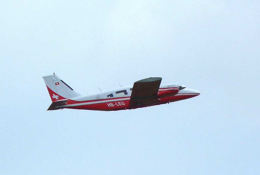 Gribair AG, Piper PA-34-200 Seneca HB-LEU.<br /> By Clive Featherstone.