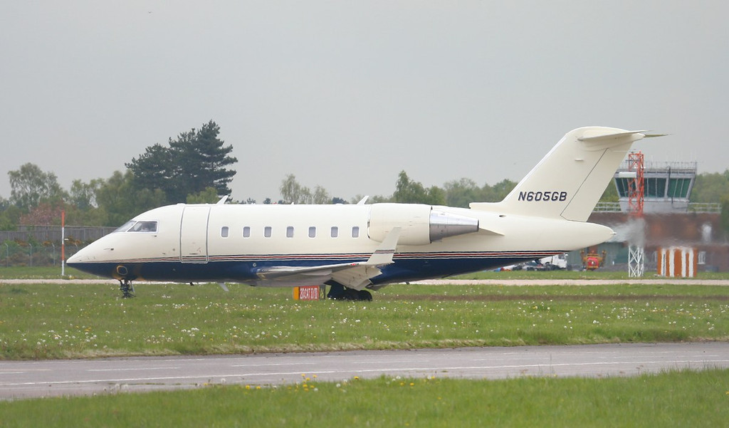 Bombardier CL600 2B16 Challenger 605 N605GB.<br /> By Jim Calow.