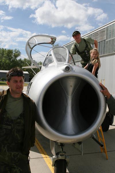 MiG-15 v obležení techniků Plzeňské záchranky