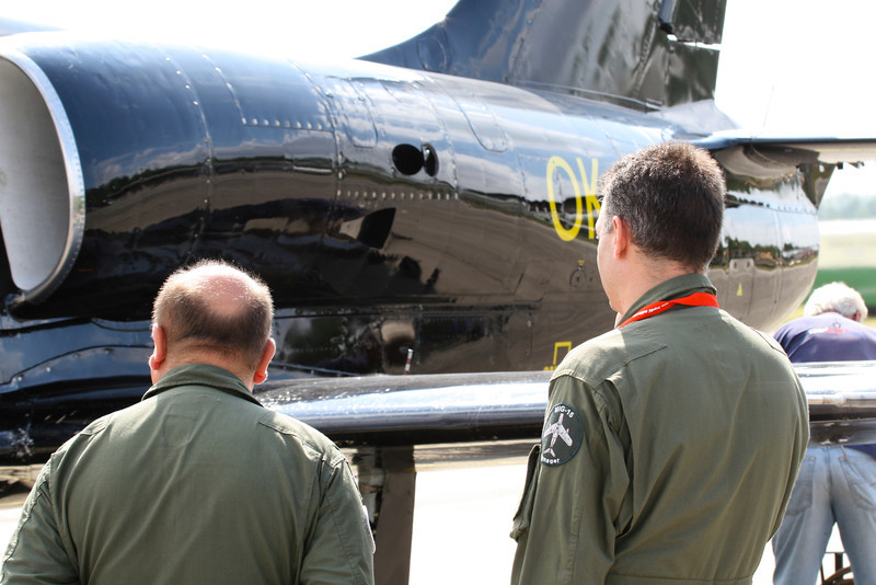 Posádka MiG-15 obhlíží L-39
