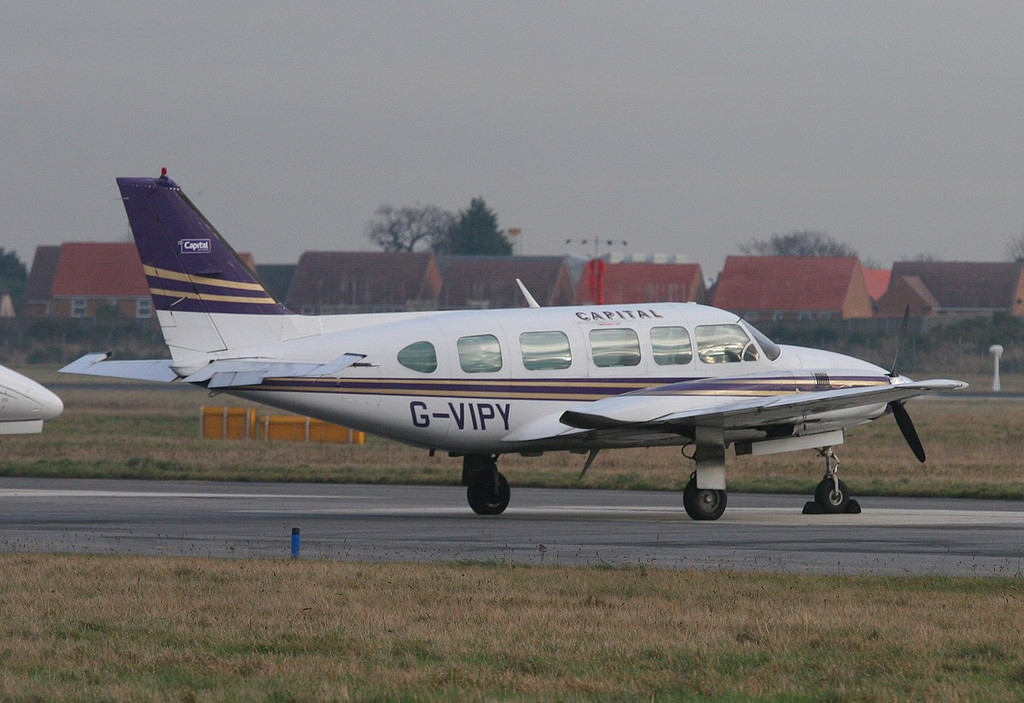 Capital Air Charter Piper PA-31-350 Navajo Chieftain,  G-VIPY<br /> By Correne Calow.