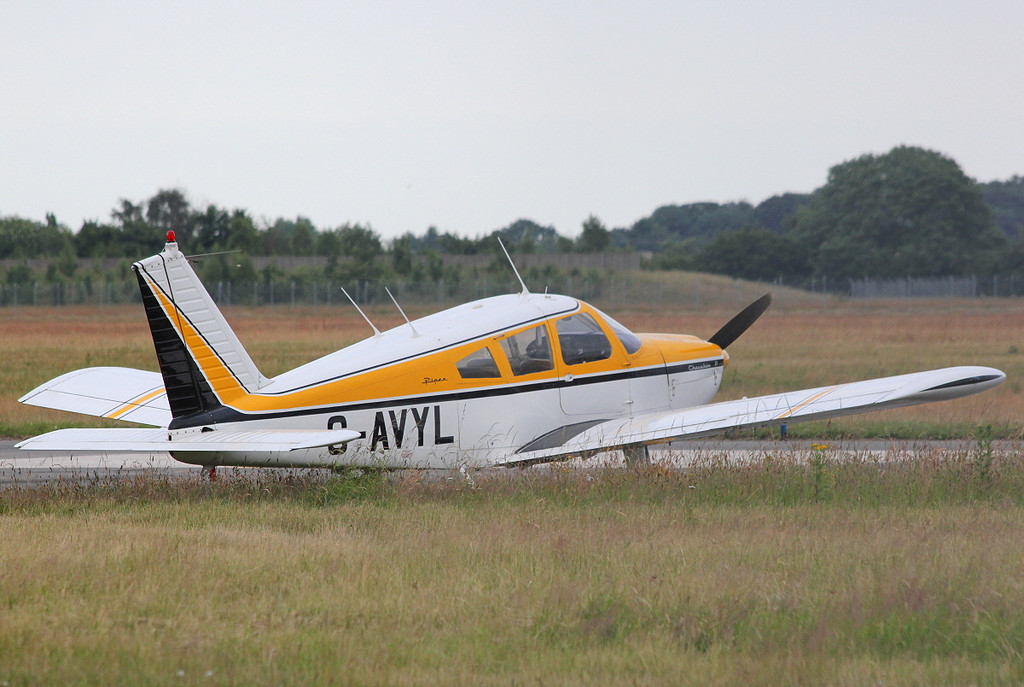 Piper PA-28-180 Cherokee, G-AVYL.<br /> By Clive Featherstone.