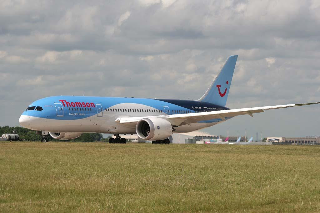 Thomson Airways 787-800, G-TUIA<br /> By Graham Vlacho.