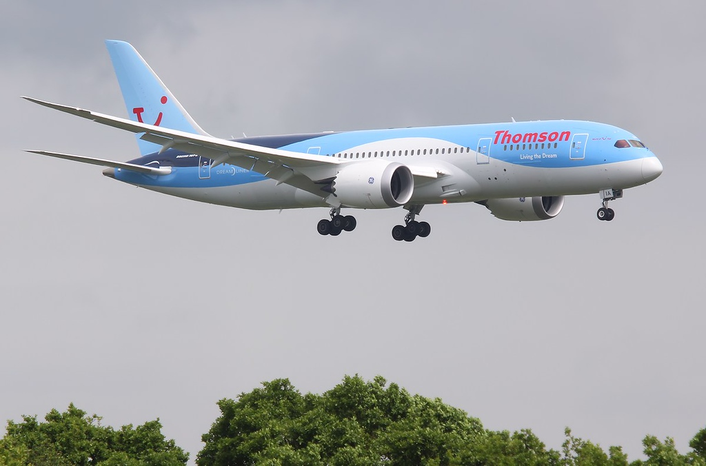 Thomson Airways 787-800, G-TUIA<br /> By Correne Calow.