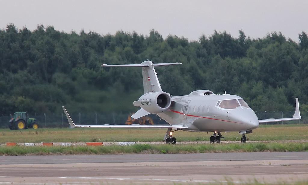VistaJet Learjet 60XR, OE-GVP<br /> By Correne Calow.