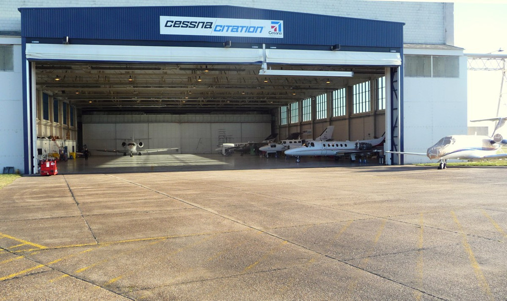 Doncaster Citation Service Centre hangar...........(left to right)<br /> G-TLFK, G-EDCM, HB-VWW, G-USAR, G-JBLZ and outside D-IVVB.<br /> By Correne Calow.