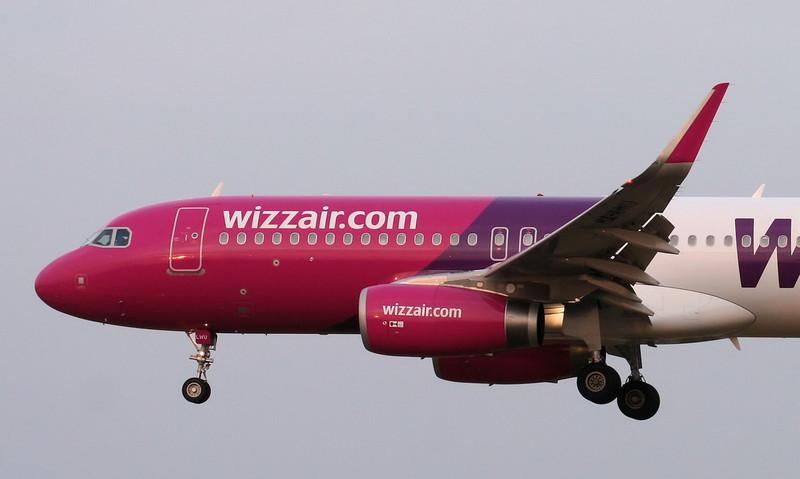 Wizz Air A320, HA-LWU.<br /> By Jim Calow.