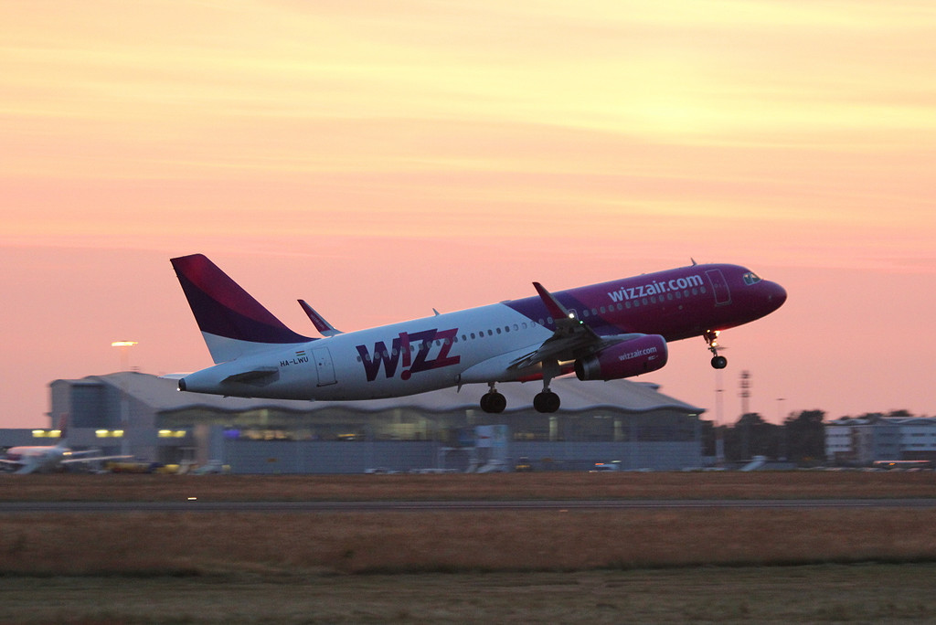 Wizz Air A320, HA-LWU.<br /> By Clive Featherstone.