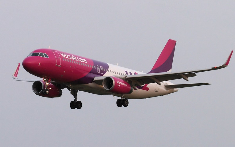 Wizz Air A320, HA-LWU arriving from Katowice.<br /> By Jim Calow.