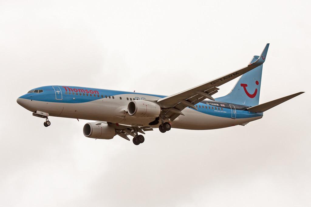 Thomson Airways Boeing 737-800, G-TAWM<br /> By David Bladen