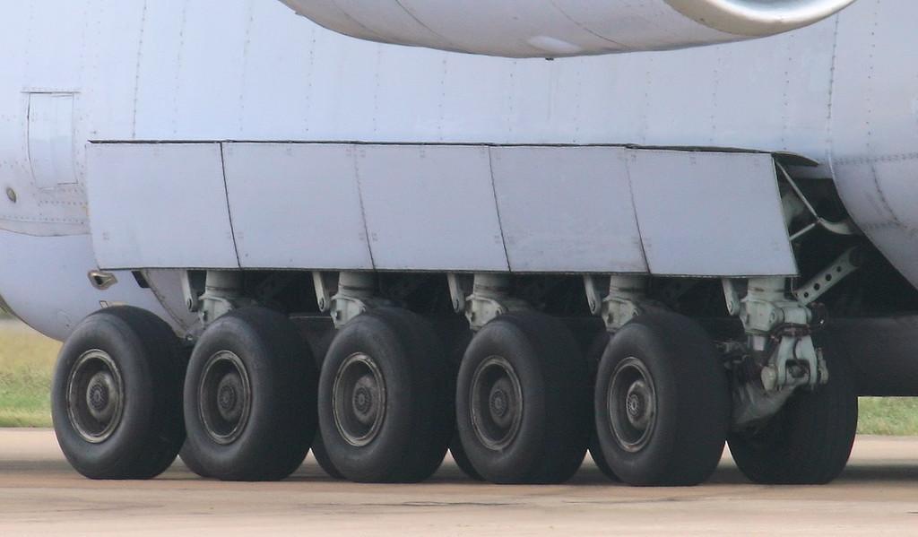 Antonov Design Bureau An-124-100 UR-82009.<br /> By Jim Calow.