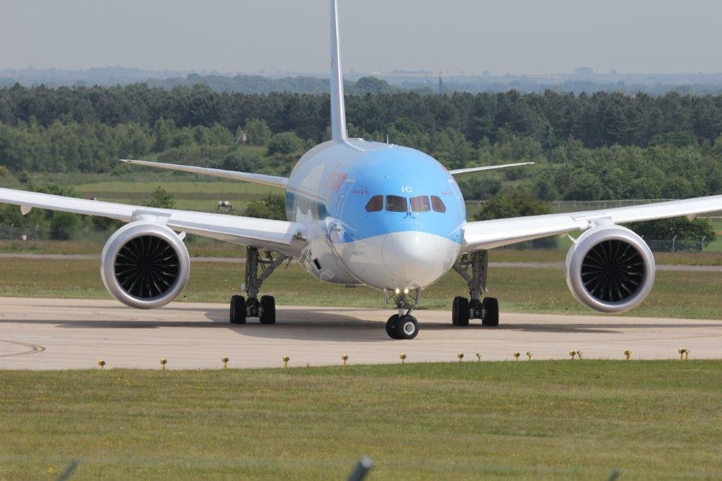 Thomson Airways 787-800 G-TUIC reaches the end of the runway<br /> By Steve Roper.