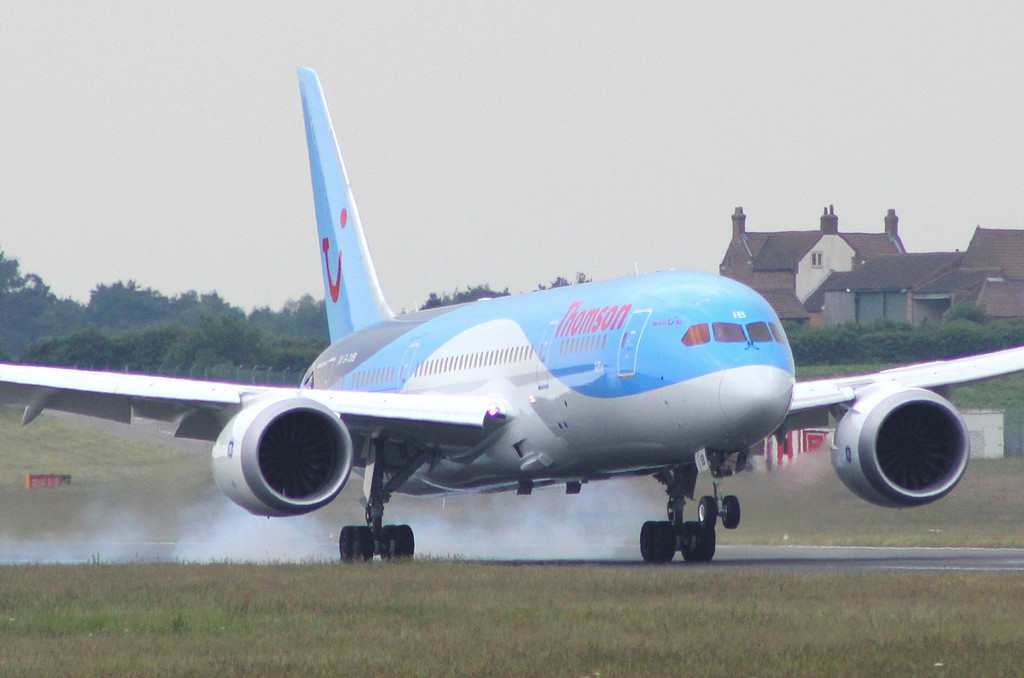 Thomson Airways 787-800 G-TUIB arrives late afternoon for another crew change.<br /> By Clive Featherstone.