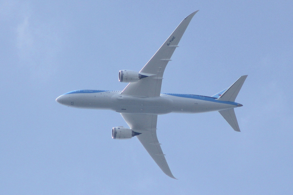 Thomson Airways 787-800 G-TUIC arrives in the overhead on it's first visit.<br /> By Clive Featherstone.