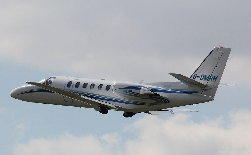 Cessna 550 Citation Bravo, G-OMRH departs to Jersey<br /> By Correne Calow.