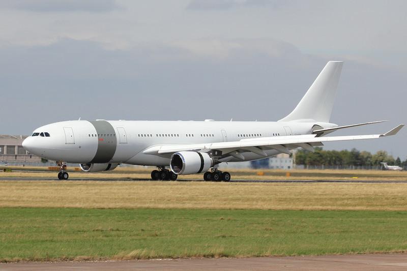Qatar Amiri Flight Airbus A330-200, A7-HHM<br /> By Clive Featherstone.