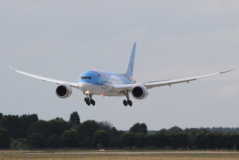 Thomson Airways latest 787, G-TUID arrives on a training flight.<br /> By Clive Featherstone.